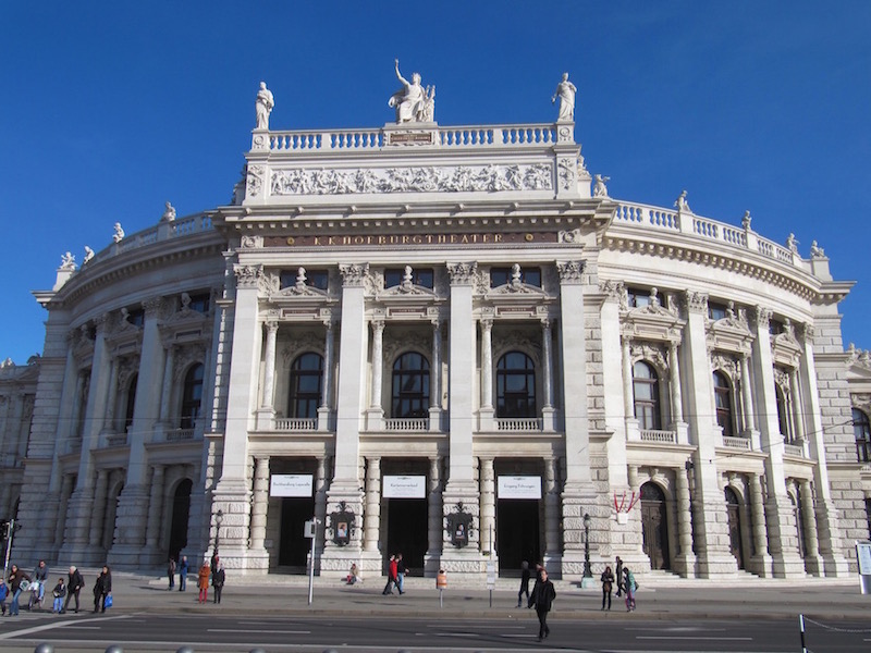 Hofburgtheater in front of Rathaus