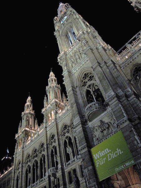 Rathaus by night